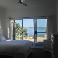 Hotel Pictures: Lake House, Belmont