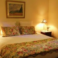 Three-Bedroom Cottage with Spa Bath
