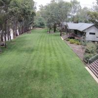 Hotel Pictures: Deeluxe Riverspa Apartments, Moama