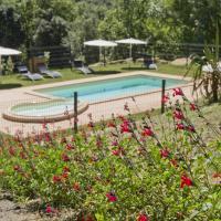 Hotel Pictures: Mas Molera-Masoveria, Sant Joan les Fonts