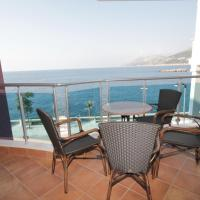 Comfort One-Bedroom Apartment with Sea View