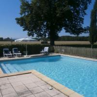Hotel Pictures: La Ferme Montplaisir, Montesquieu-Volvestre