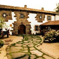 Hotel Pictures: La Casa de las Brujas, Barrio