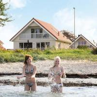 Hotel Pictures: Three-Bedroom Holiday home in Gelting 5, Gelting