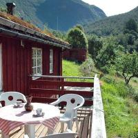 Four-Bedroom Holiday home in Norddal
