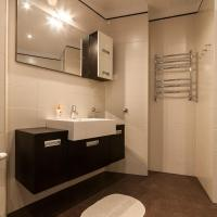Deluxe Two-Bedroom Apartment with Bath