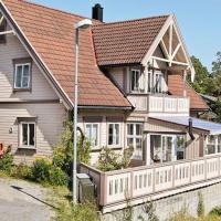 Five-Bedroom Holiday home in Fevik