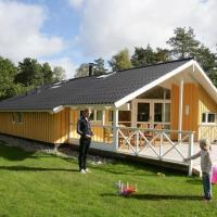 Hotel Pictures: Four-Bedroom Holiday home in Frederiksværk, Melby