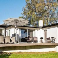 Hotel Pictures: Three-Bedroom Holiday home in Beder, Beder