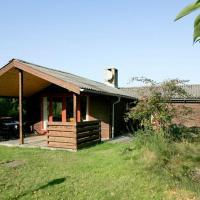 Hotel Pictures: Three-Bedroom Holiday home in Thyholm 2, Thyholm
