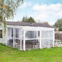 Hotel Pictures: Two-Bedroom Holiday home in Rødby 6, Rødby