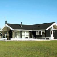 Hotel Pictures: Four-Bedroom Holiday home in Hadsund 14, Øster Hurup