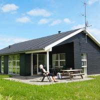 Hotel Pictures: Three-Bedroom Holiday home in Hals 20, Hals