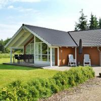 Hotel Pictures: Three-Bedroom Holiday home in Toftlund 16, Vestergård