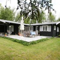 Hotel Pictures: Two-Bedroom Holiday home in Højby 3, Lumsås