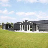 Hotel Pictures: Four-Bedroom Holiday home in Hadsund 20, Haslevgårde