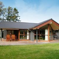 Hotel Pictures: Three-Bedroom Holiday home in Odder 1, Dyngby