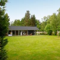 Hotel Pictures: Three-Bedroom Holiday home in Frederiksværk 2, Melby