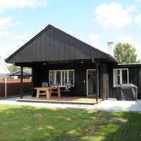 Hotel Pictures: Two-Bedroom Holiday home in Silkeborg 6, Silkeborg