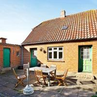 Hotel Pictures: Three-Bedroom Holiday home in Struer 6, Venø By