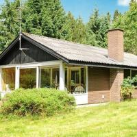 Hotel Pictures: Three-Bedroom Holiday home in Bording 4, Bording Stationsby