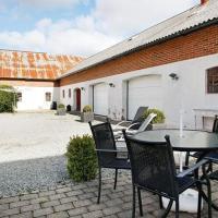 Hotel Pictures: Two-Bedroom Holiday home in Frederikshavn 2, Frederikshavn