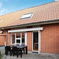 Hotel Pictures: Two-Bedroom Holiday home in Struer 7, Struer