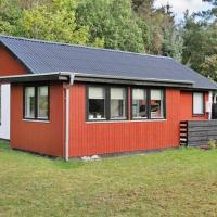Hotel Pictures: Three-Bedroom Holiday home in Hals 46, Hou