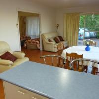 Hotellikuvia: Corlette Poolside Getaway, Corlette