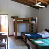 Hotel Pictures: Hostal Albergue Español & Jungle Lodge, Puerto Misahuallí