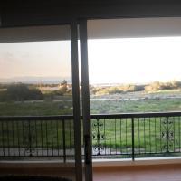 Hotel Pictures: Bay of Salamis Apartment, Paralimni