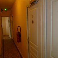 Standard Double Room with Shared Toilet