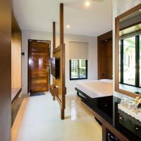 Cottage with Spa Bath