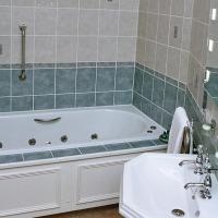 Superior Four Poster - Jacuzzi Bath
