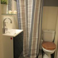 Budget One-Bedroom Apartment - Rua da Condessa, nº48