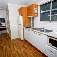 Deluxe Two-Bedroom Cabin (3 Adults)