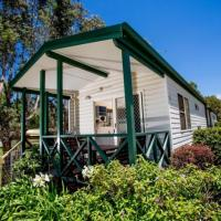 Standard One-Bedroom Cabin with Shared Bathroom (5 Adults)
