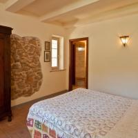 Six-Bedroom Villa on Three Floors