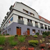 Hotel Pictures: Hotel Sport Zruč, Zruč