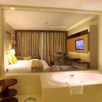 Deluxe King Room with City View-Non-Smoking