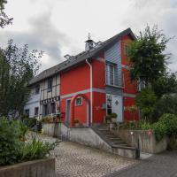 Hotel Pictures: Ferienhaus Wildblick, Schleiden