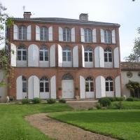 Hotel Pictures: Chambres d'Hotes Au Château, Saint-Nicolas-de-la-Grave