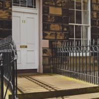 One-Bedroom Apartment - Carlton Street