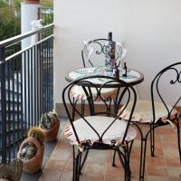 Two-Bedroom Apartment with Balcony (7 Adults) - Split Level - Via Tripi 17
