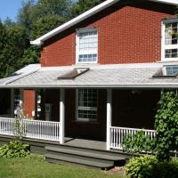 Hotel Pictures: The Hive Bed and Breakfast, Orono