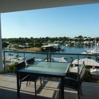 Two-Bedroom Two-Bathroom Apartment with Marina View