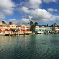 Hotel Pictures: Guesthouse Antigua Chiama Italia, Jolly Harbour