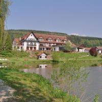 Hotel Pictures: Seehotel Gut Dürnhof, Rieneck