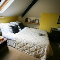 Small Double Room - Book (Room 5)