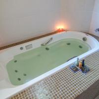 Chalet with Hot Tub (2 Adults)